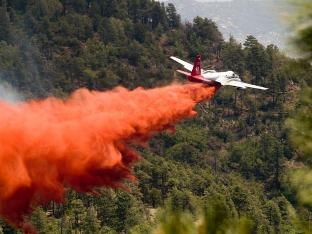Airtanker Drops Retardant on Gladiator Fire, May 20, 2012