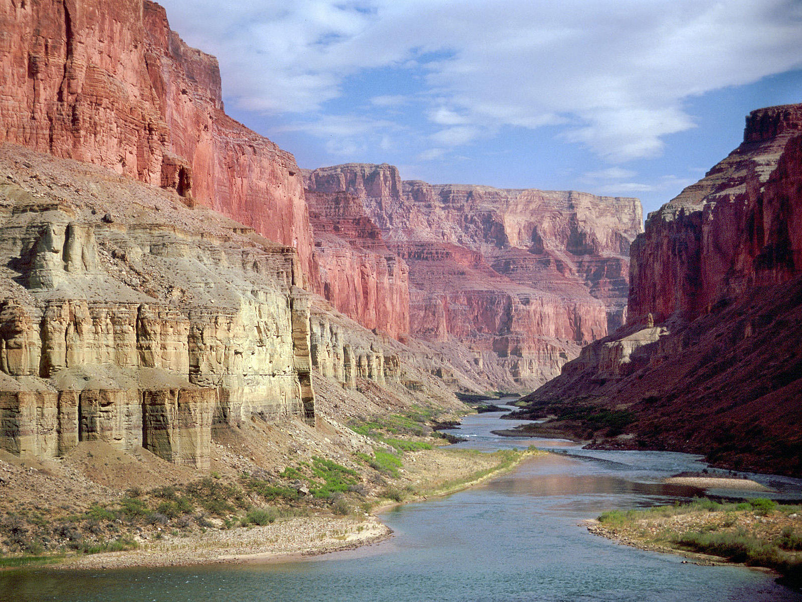 [Image: nankoweap-ruins-colorado-river-grand-canyon-arizona.jpg]