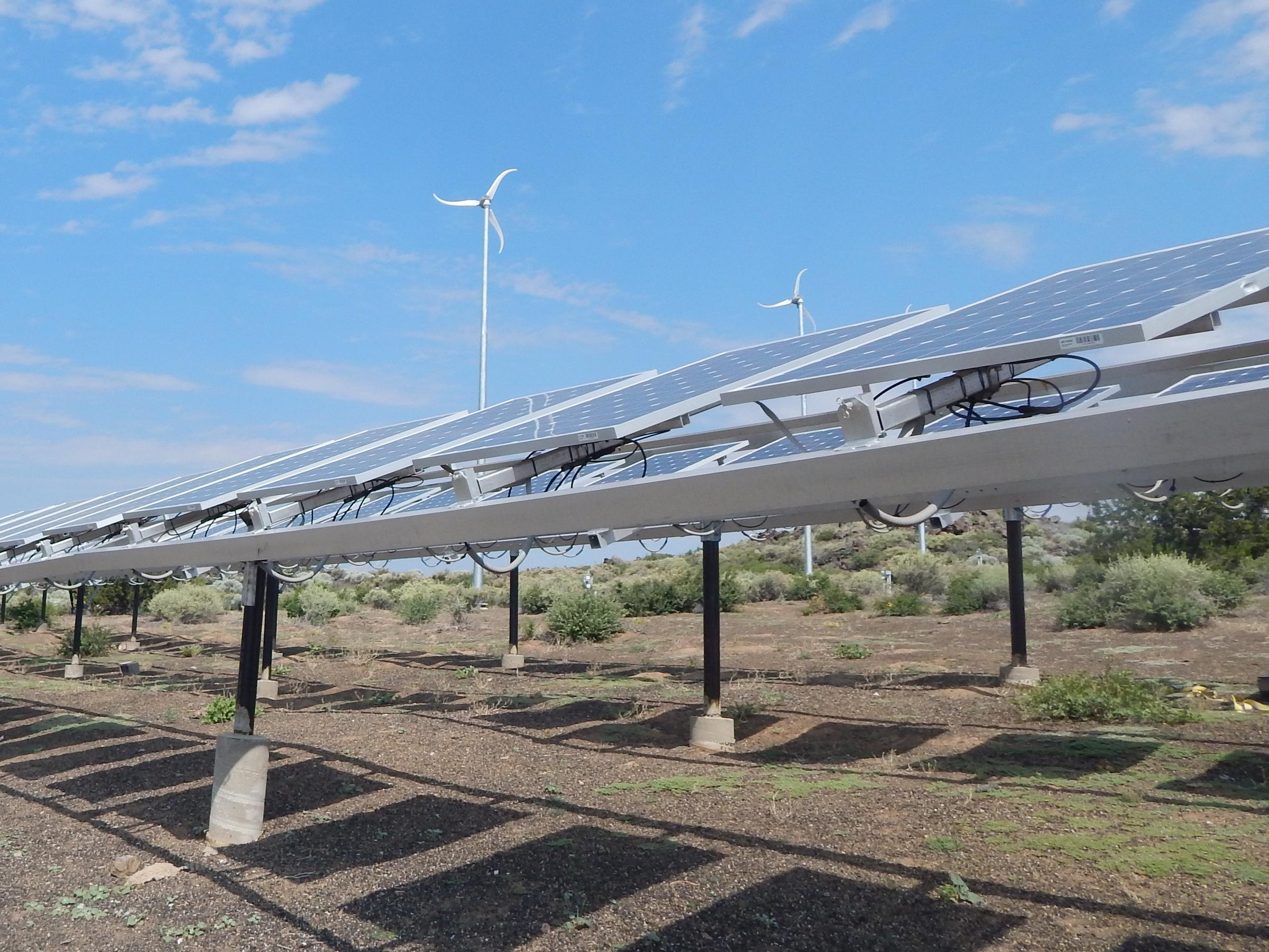 New solar panel tariffs will be felt by Arizona companies, consumers