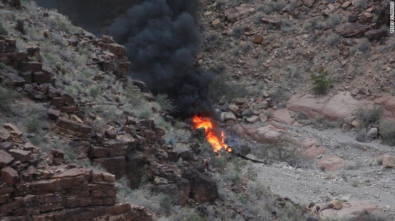 Vacationing nurse spends 9 hours treating helicopter crash victims in Grand Canyon