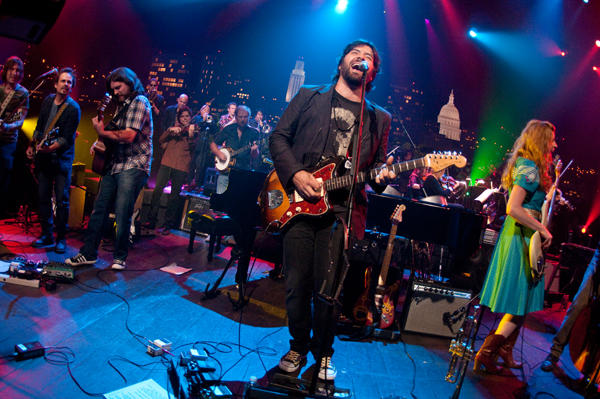 Bob Schneider performs on Austin City Limits.