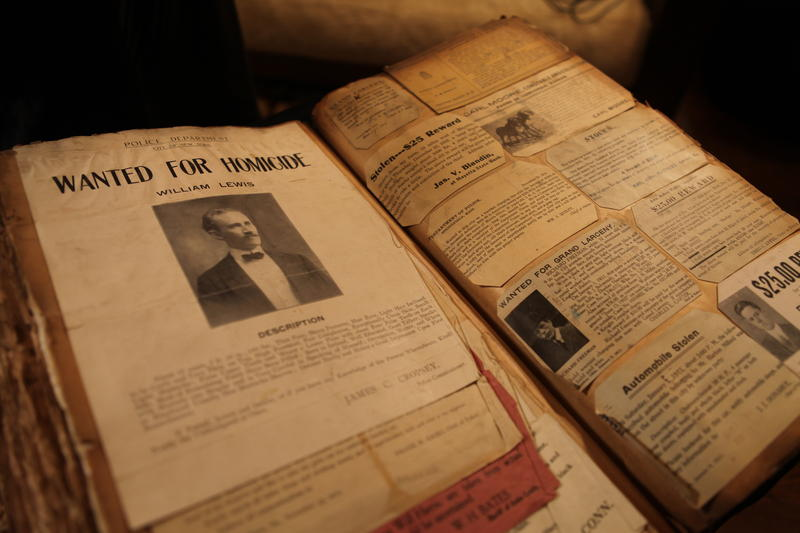 Country Music star Clint Black found this book at an antique store. He's intrigued by the page upon page of wanted posters. He asks HISTORY DETECTIVES host Elyse Luray to find the reason behind this book and more about the person who owned it.