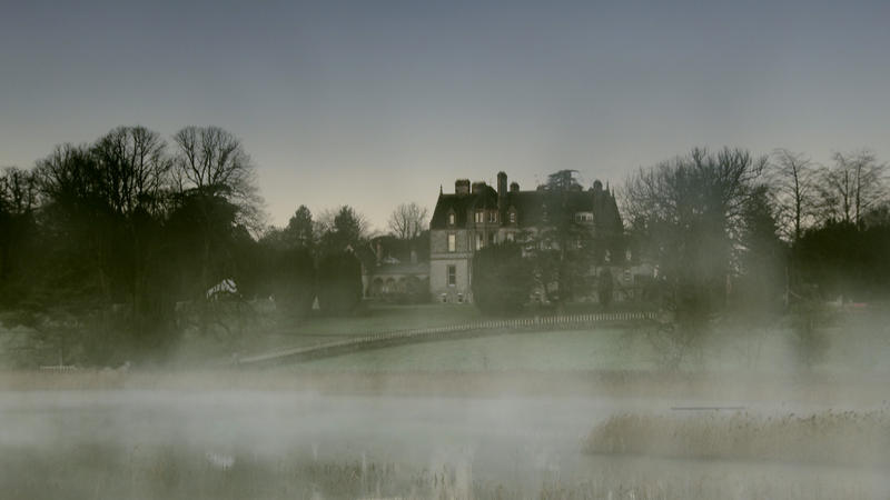 A fascinating glimpse of life behind the velvet curtains, SECRETS OF THE MANOR HOUSE goes inside the great homes of Edwardian England