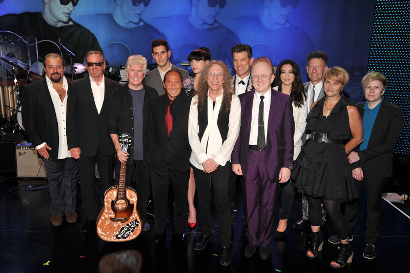 Musicians Raul Malo, Boz Scaggs, Graham Nash, Gabe Saporta, Paul Anka, Victoria Asher, Waddy Wachtel, Chris Isaak, producer Peter Asher, Michelle Branch, Lyle Lovett, Shawn Colvin and Patrick Stump.