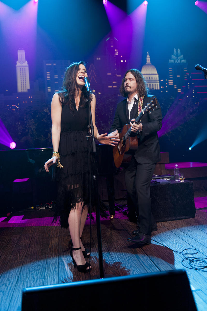The Civil Wars play tunes from their Grammy-winning album Barton Hollow.