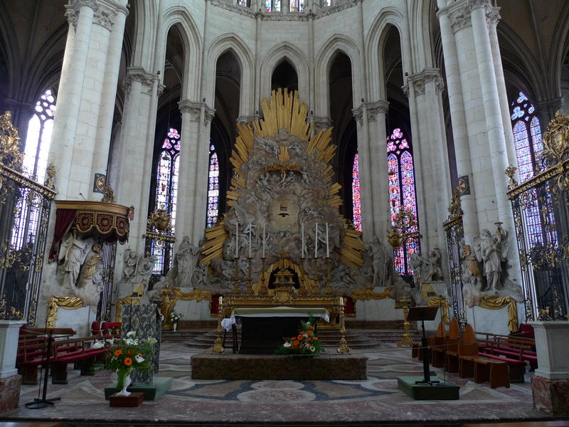 Pictured: Altar in Amiens Cathedral