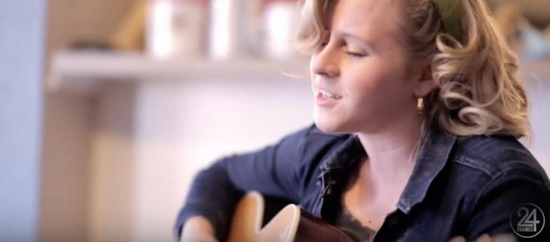 Singer, Zoe Carter, performs a song from her debut EP on 24 Frames.