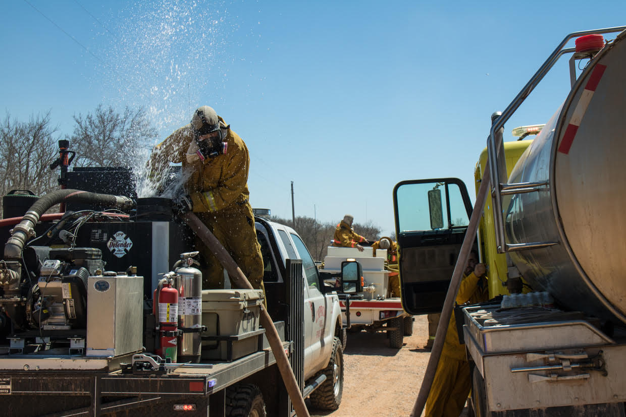 Oklahoma Rhea Fire Grows To 400000 Acres As National Guard Is Deployed