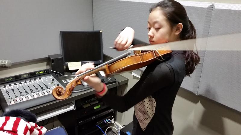 Yesong Sophie Lee warms up