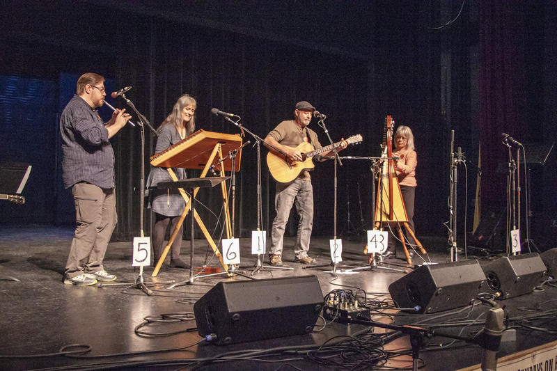 Tra le Gael performs at the 2018 Fall Folk Festival