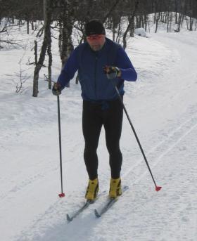 Al Davis skiing in Norway