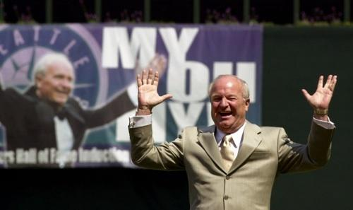 Famed Mariner broadcaster Dave Niehaus waves to fans at Safeco Field, May 7, 2000, upon the announcement of his induction to Baseball's Hall of Fame. A public memorial for Niehaus, who died last month, will take place on Saturday, Dec. 11th.