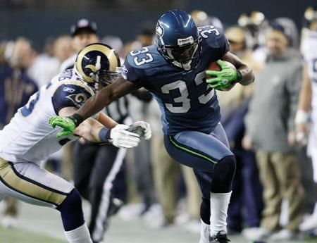 Seattle Seahawks' Leon Washington in action against the St. Louis Rams in the second half of an NFL football game, Sunday, Jan. 2, 2011, in Seattle.