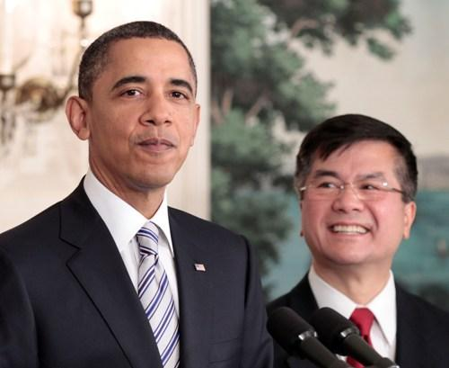 President Barack Obama, left, announces that Commerce Sec. Gary Locke, right, will be the next US ambassador to China, in the Diplomatic Room of the White House Wednesday, March, 9, 2011. Locke is replacing Jon Huntsman.
