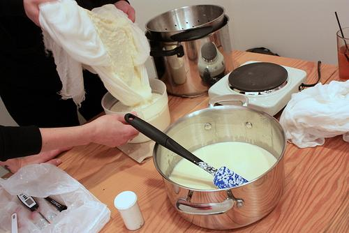 A free event teaching folks how to make Mascarpone cheese.