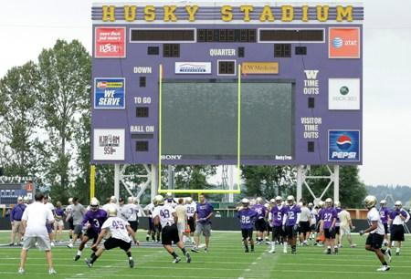 The revenue from the new Pac-12 television deal is expected to be a huge boon for the University of Washington and its efforts to renovate Husky Stadium without public money.