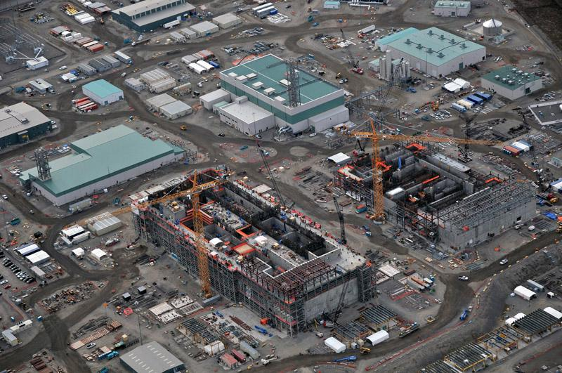 Hanford whistleblower says contractors have too cozy a relationship with Department of Energy.