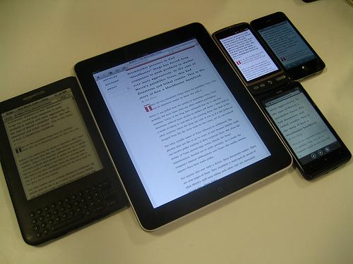 Are smartphones, tablets and e-readers replacing the PC?
