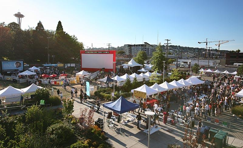 The South Lake Union block party will feature lots of great food and drinks to try from various local restaurants. There will also be a grilling competition to enjoy.