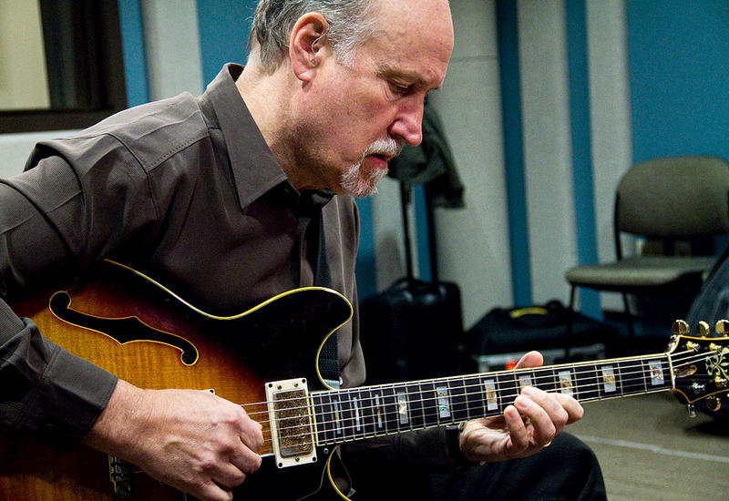 Guitarist John Scofield performing in the KPLU Seattle studios on October 28.