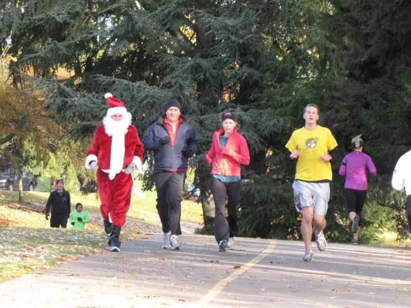 Jingle Bell Run/Walk participants at the Greenlake Rudolph Training Run Nov. 19.