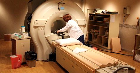 Not all MRIs cost the same -- and now some insurance companies help you compare costs and save.