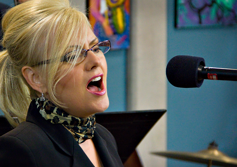 Vocalist Cheryl Jewell performing live in the KPLU Seattle Studios on August 2.