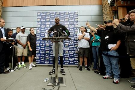 The Seahawks signing of Terrell Owens this week generated a lot of media buzz, as evidenced by the throng of reporters in his post-practice news conference Wednesday in Renton.