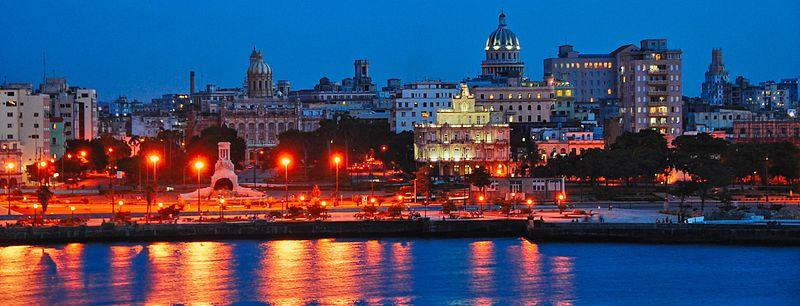 Havana Vieja at night