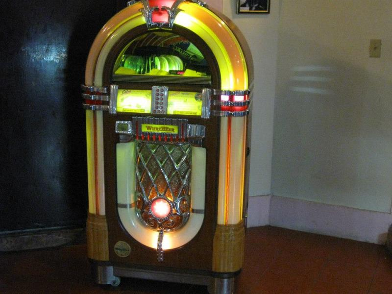Jukebox at the bar in the Hotel Nacional, Havana