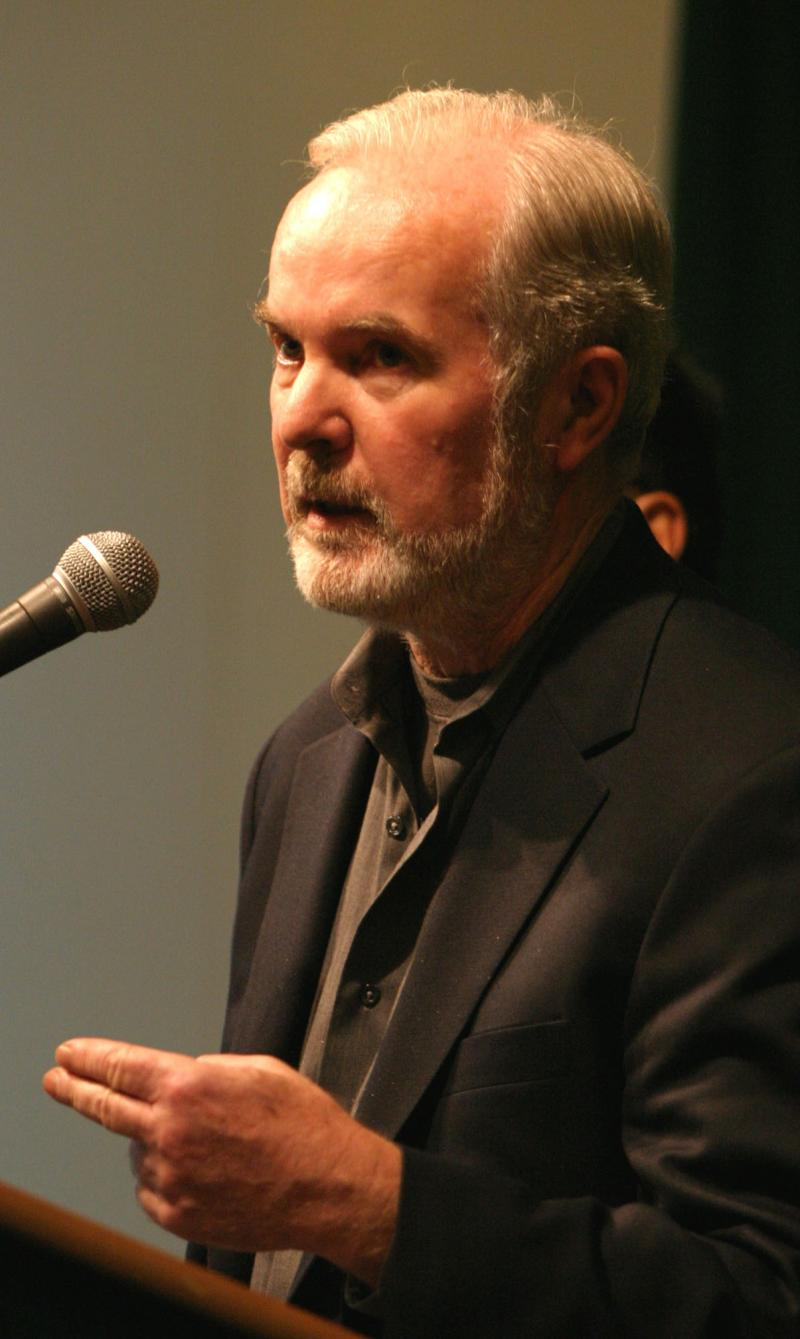 Former Gov. Booth Gardner speaks at a news conference in Seattle, Friday, Dec. 3, 2004, about the decision of the Democrats to ask for a statewide hand count in the race for Governor in the State of Washington.