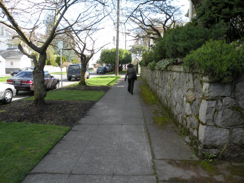 Cindy Perry is seen taking a stroll around the walkable neighborhood north of the University of Washington.