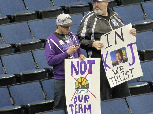 Kings fans show support for Sacramento