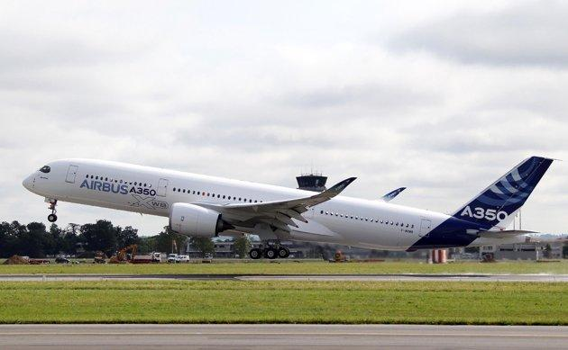 The Airbus A350 takes off sucesfully on its maiden flight.