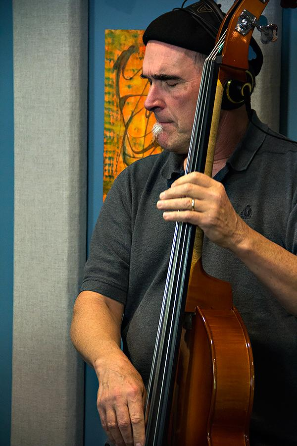 Mark Schneider performing with Halie Loren live in the KPLU studios on October 15, 2013.