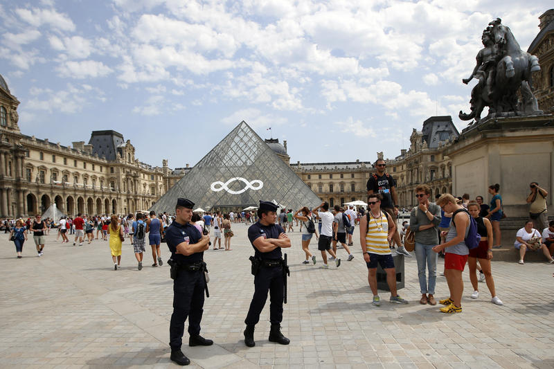 Last summer, French police recently arrested pickpockets who operated at the Louvre, the Eiffel Tower and other popular sites, bringing in as much as 2,000 euros ($2,700) per day by grabbing the wallets of tourists.
