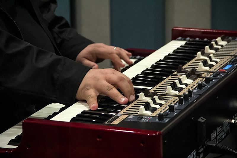 Organ master, Joey DeFrancesco, performing live at KPLU.