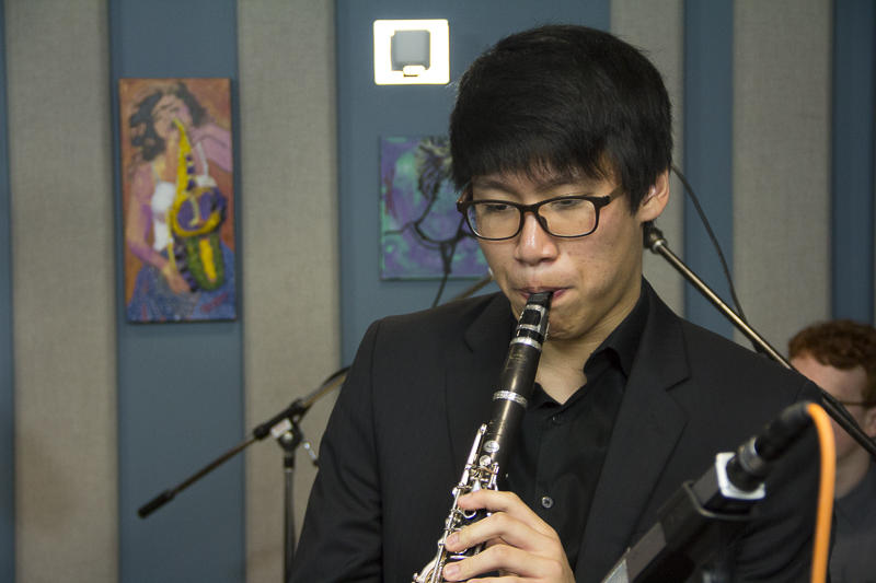 Jungwoo Lee performing live in the KPLU studios.