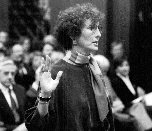 Kate Pflaumer being sworn in as U.S. Attorney for Western Washington in 1993.