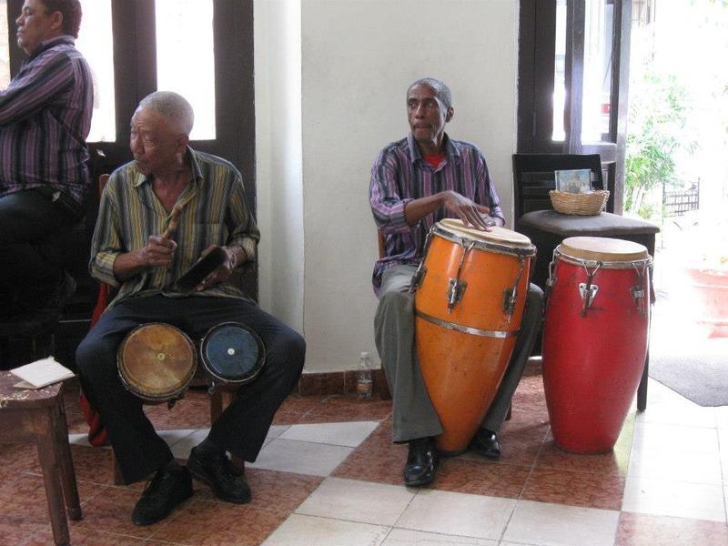 Drummers at La Taberna, Havana