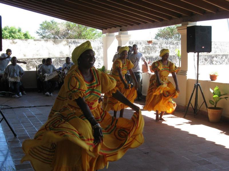 Oshun dancers in Matanzas