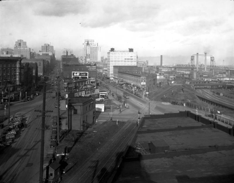 1929 view north along Commerce (left) and Pacific (right), showing the Prairie Line crossing near S. 17th Street.