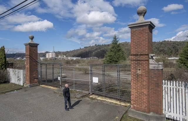 The gates for the former Hooker Chemical plant