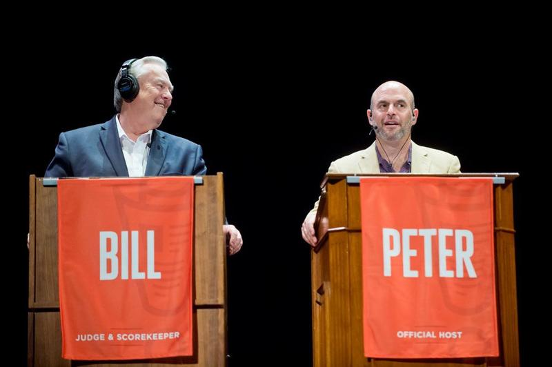 Scorekeeper Bill Kurtis (left) and host Peter Sagal