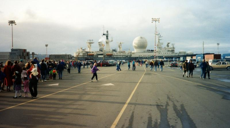 The Marshal Krylov, a Russian tracking ship, tied up in Seattle in 1992. The Krylov delivered a splashed-down space capsule full of gifts for Washington state, and hosted Thanksgiving dinner.