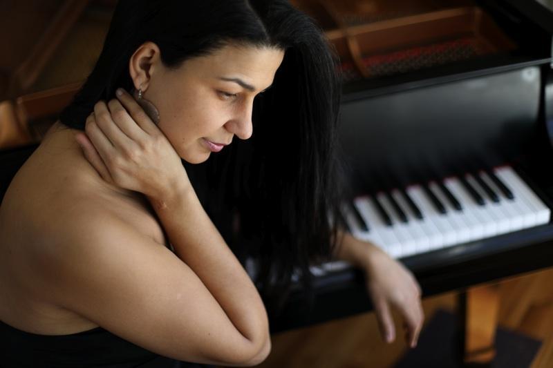 Pianist Abelita Mateus