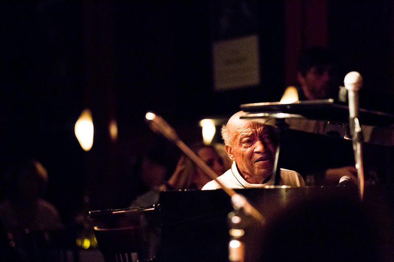 Overton Berry on the piano at Tula's jazz club.