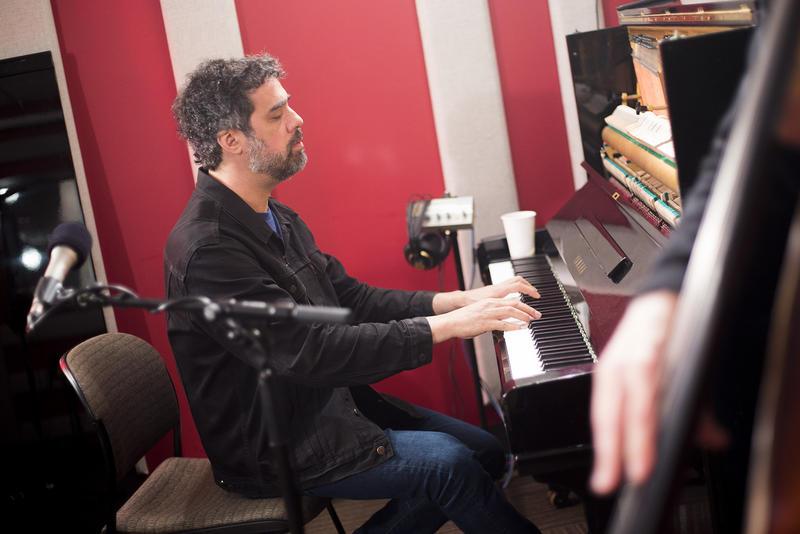 Spike Wilner in the KNKX Studios.