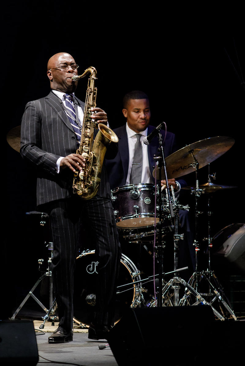 Tim Warfield, Billy Williams