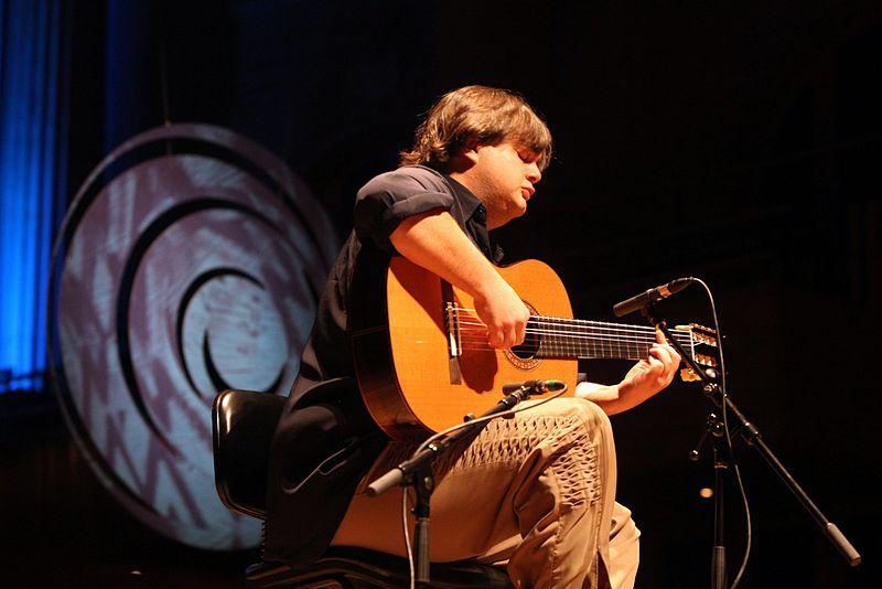 Yamandu Costa in São Paulo, 2011